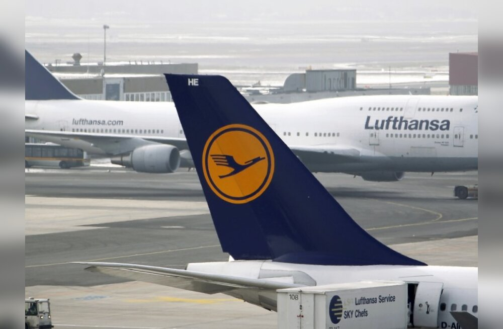Lufthansa planes are pictured at Frankfurt's Airport February 17, 2010. German flagship airline Lufthansa is preparing for a possible crippling strike by pilots as four weeks of union balloting end on Wednesday. Pilots union Vereinigung Cockpit plans to a