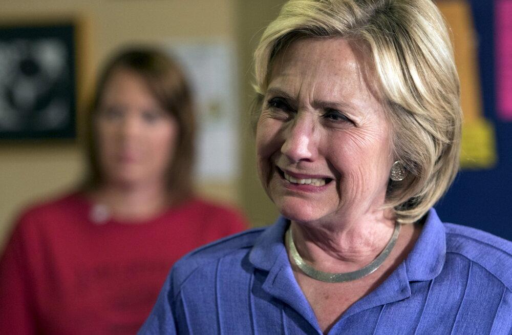 Clinton kurtis annetajatele: FBI rikkus minu võimaluse võita