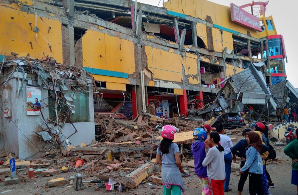 Indoneesia saart tabas maavärin ja tsunami: hukkunute arv ulatub juba sadadesse