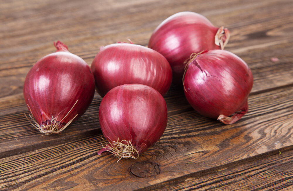 Sibula kasu tervisele: 4 viisi, millega punased sibulad vähendavad vähiriski
