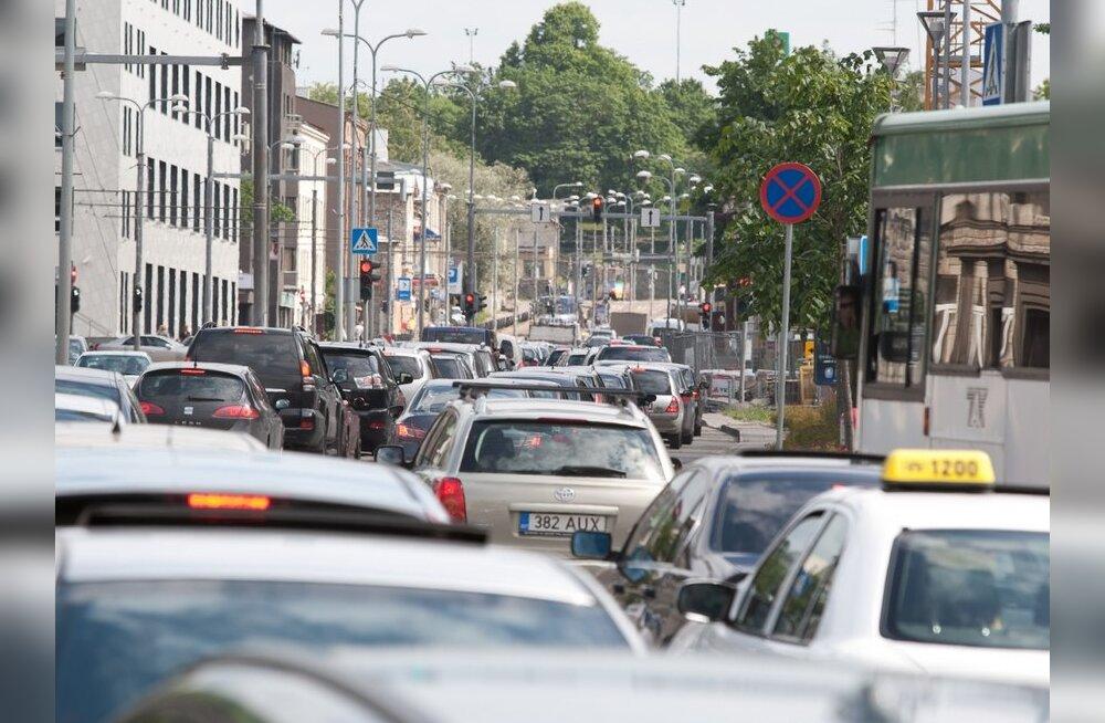 Sügisjooks sulgeb pühapäeval Tallinna kesklinna tänavad