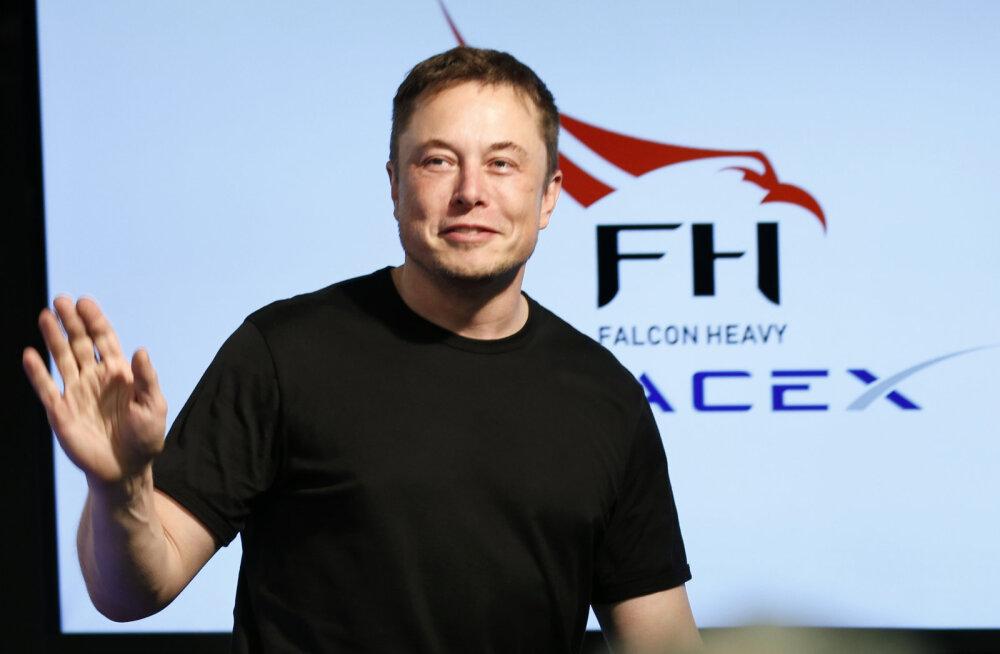Elon Musk: SpaceX ja Tesla pääsesid napilt pankrotti minekust