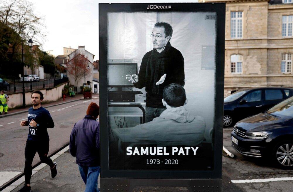 Prantsusmaal esitati õpetaja Samuel Paty mõrvaga seoses süüdistus veel neljale õpilasele