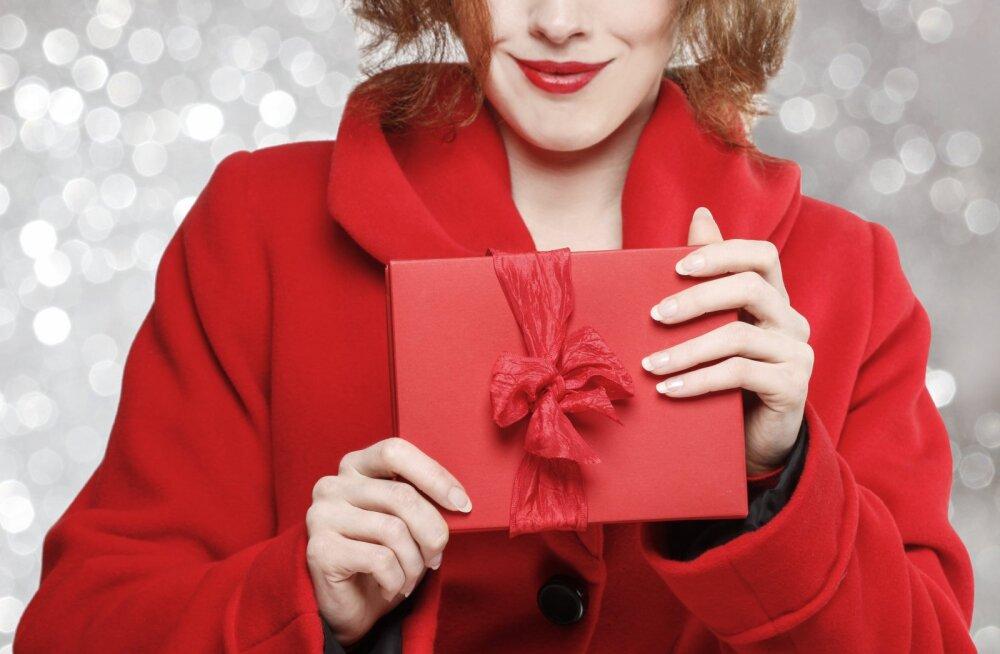 Ühe naise soovitus: luba oma abikaasal end jõulude ajal petta, sest siis ta ostab sulle süütundest paremaid kinke