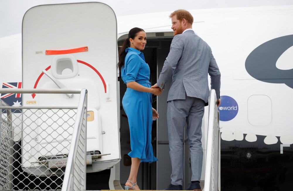 NAPIKAS! Meghan ja Harry elasid üle kohutavad minutid, kui lennuk oleks maandudes teisele otsa põrutanud