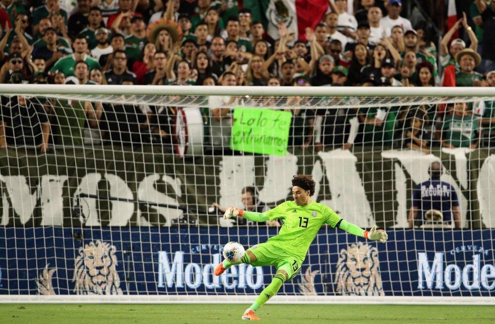 Mehhiko väravavaht Guillermo Ochoa