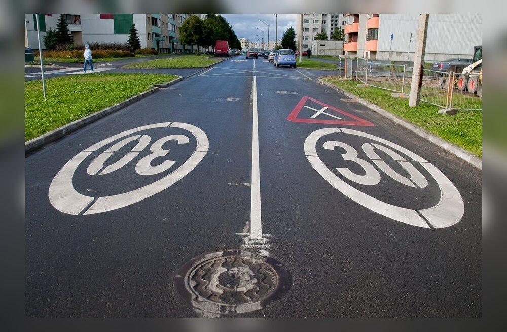 Vaata, kus Eestimaa teedel kehtivad täna liikluspiirangud.
