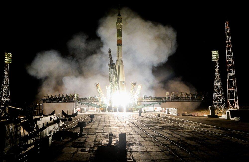 """Почему Европейское космическое агентство приостанавливает полеты на российских """"Союзах"""""""