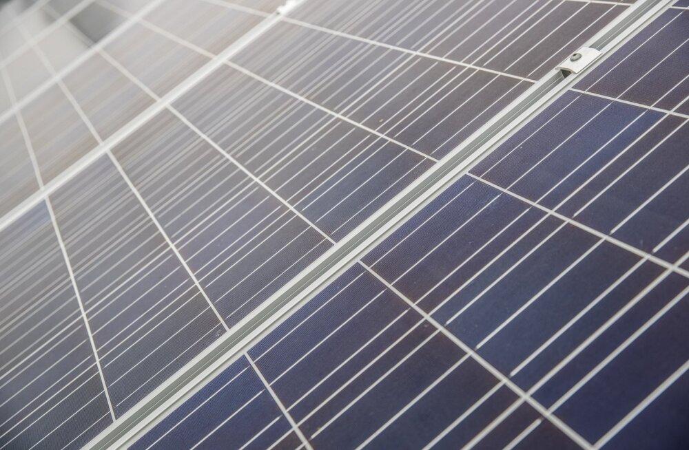 Päikesepaneelid. Foto on illustratiivne.