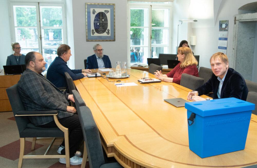 Koalitsiooni hääl läks rändama: probleemkomisjoni esimeheks valiti Stalnuhhini asemel üllatuslikult Kross