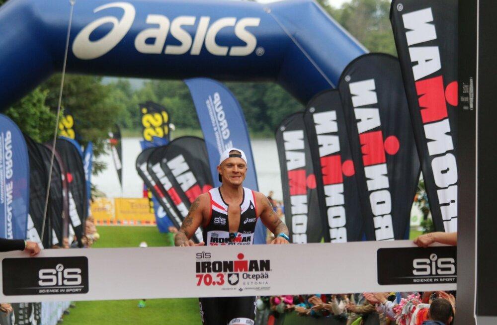 Tanel Padar triatloni finišis