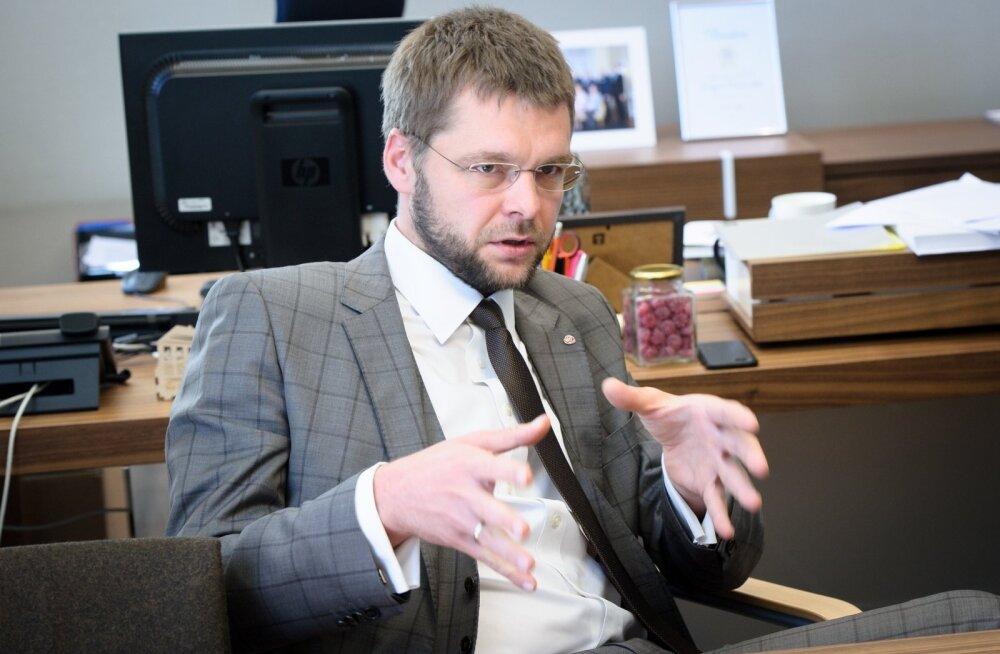 Minister Jevgeni Ossinovski julgustab inimesi oma võimeid proovima