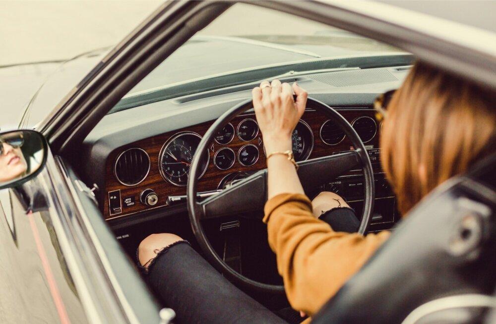 Kas oled ise liikluses märganud? Naiste ja meeste liikluskäitumine erineb just nende aspektide poolest