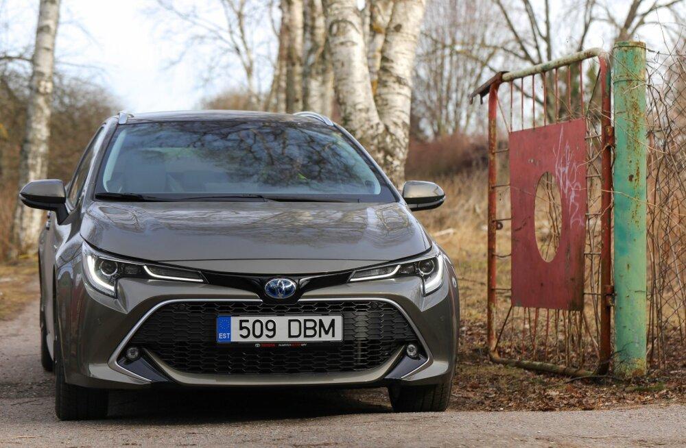 Juulis kargas uute sõiduautode müük lakke, Toyota naudib mäekõrgust edu