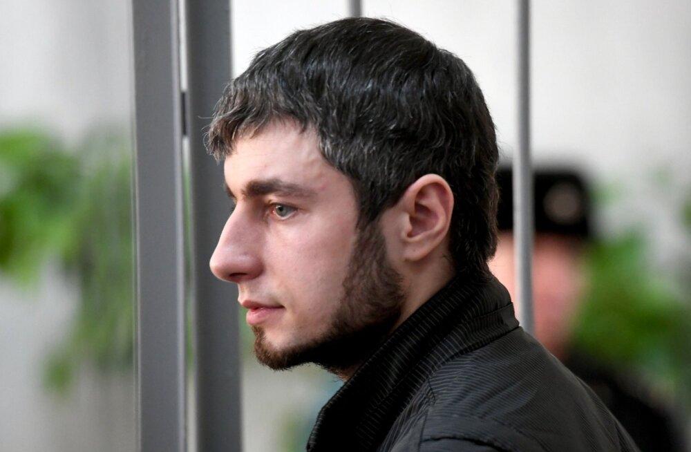 Venemaal mõisteti 14 aastaks vangi naisel armukadedusest käelabad maha raiunud mees