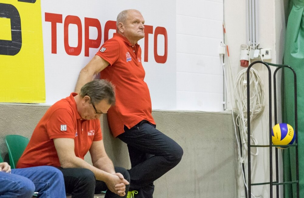 Võrkpalli Balti liiga (Credit24 Meistriliiga) uue hooajaga tehti algust täna õhtupoolikul. Eesti klubide omavahelistes mängudes olid võidukad Tallinna Selver ja Pärnu Võrkpalliklubi.