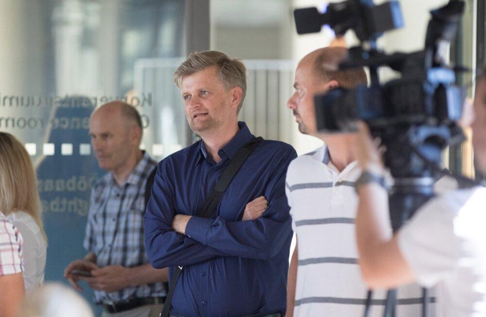 Endine Nelja energia tegevjuht ja väikeaktsionär Martin Kruus (keskel)