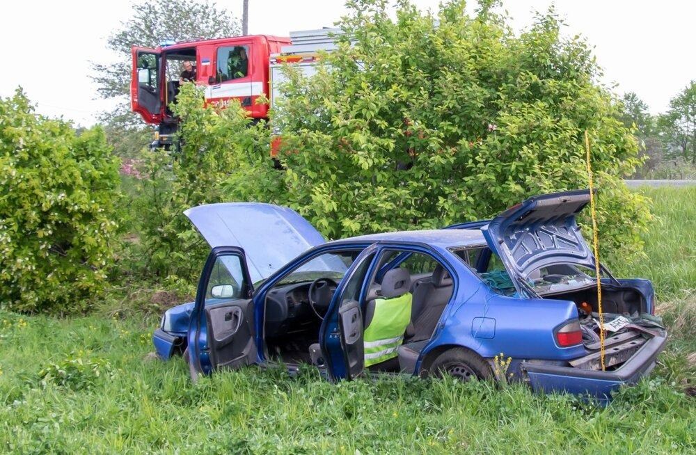 Liiklusõnnetus Saaremaal, Saial, Pähkla külas