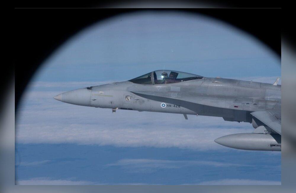 Руководство министерства обороны Франции заявило, что выпущенная испанским истребителем ракета не угрожала французскому самолету