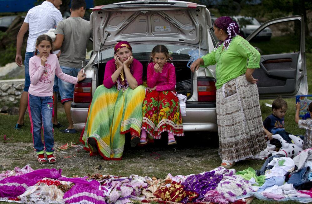 ФОТО | Получите в бубен: Чем живет самое страшное в мире цыганское гетто