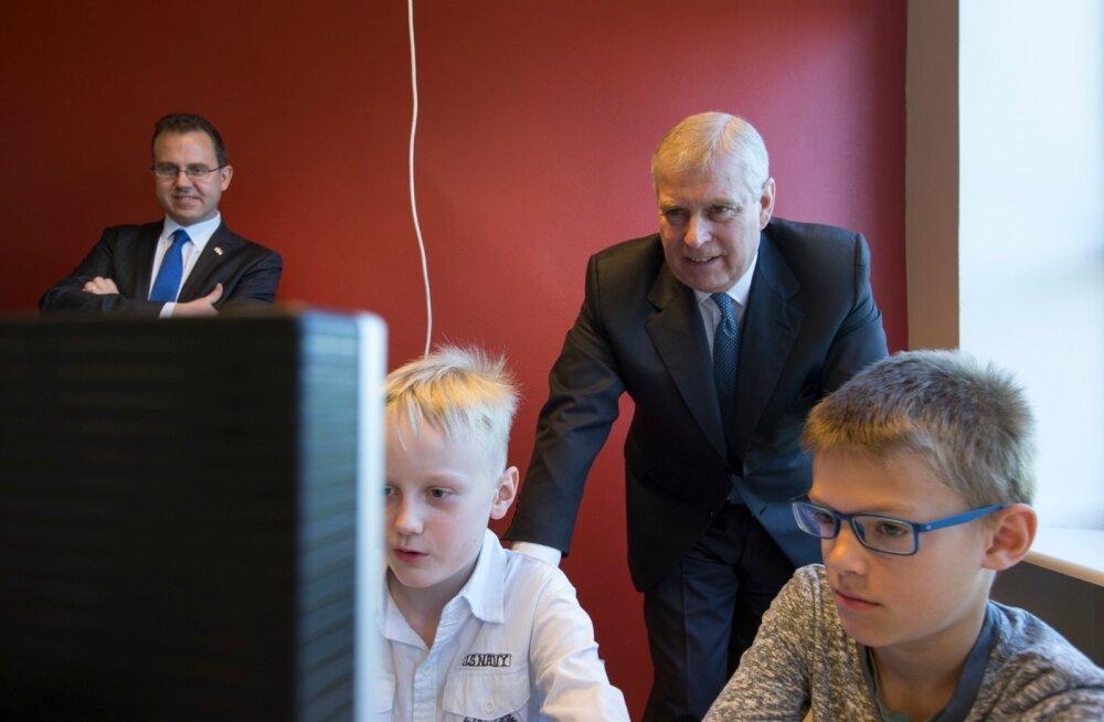 Prints Andrew külastas Eestis ka Pelgulinna gümnaasiumi.