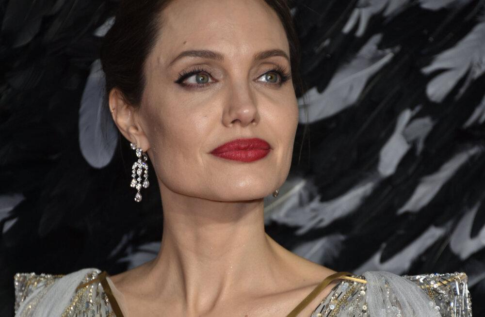 Angelina Jolie paljastab kahe tütre rasked katsumused: ma olen kaks kuud käinud ühelt operatsioonilt teisele