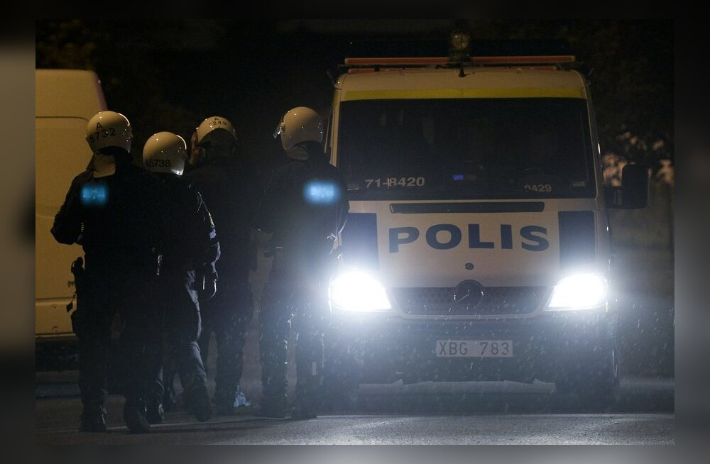 Stockholmi politseinikele makstakse rahutuste eest üle miljoni euro ületunnitasu