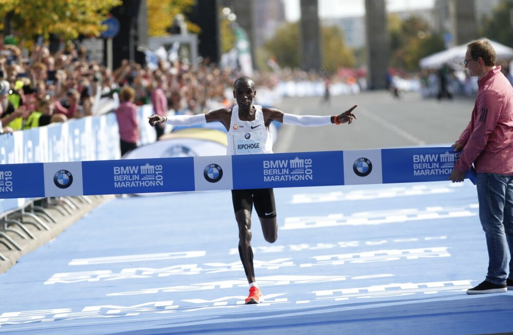 """""""Kujutage ette, et jooksete 100 meetrit 17,3 sekundiga... 420 korda jutti!"""" Hämmastavad näitajad: kui kiiresti suutis Eliud Kipchoge maratonidistantsi läbida?"""