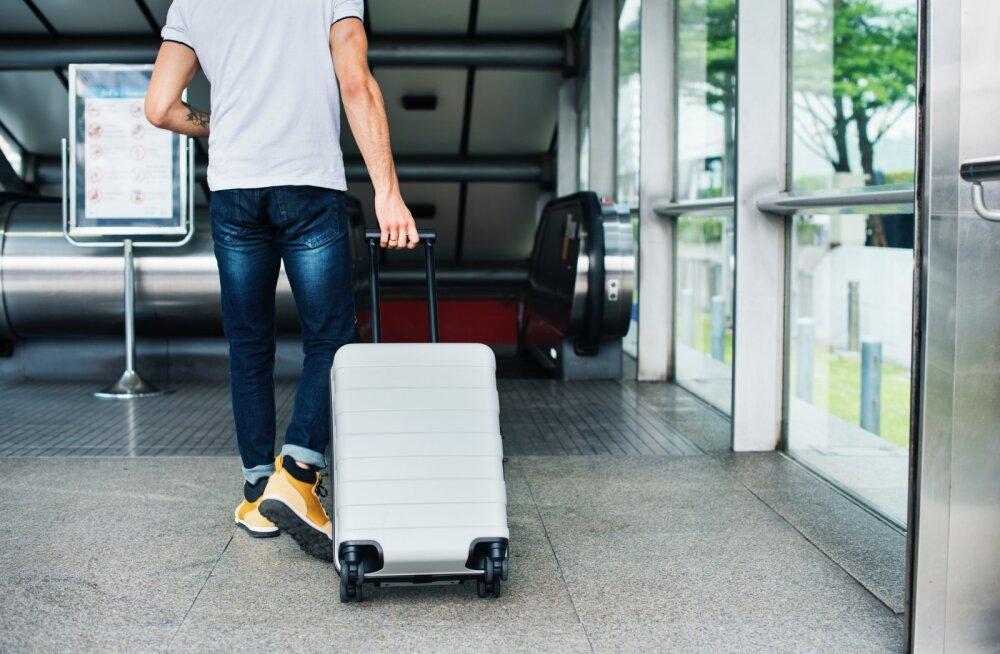Naine on kurb: kas see, et mu abikaasa tahab ilma minuta reisile minna tähendab, et meie abielu on läbi?
