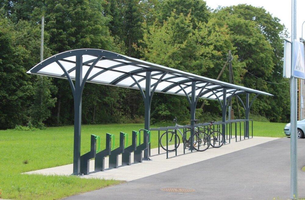 Новая стоянка для велосипедов и машин в Сауэ улучшит жизнь пассажиров поездов