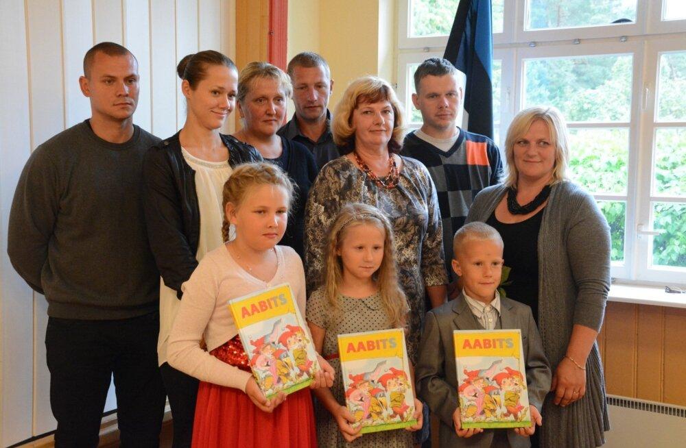 1. septembri aktus Metsapoole põhikoolis Pärnumaal