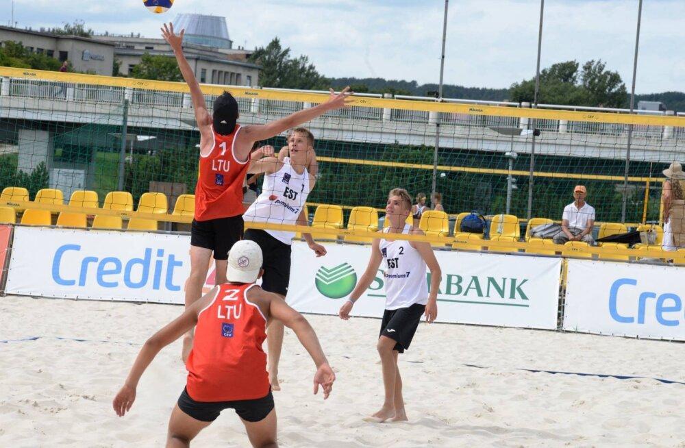 Noored rannavõrkpallurid asuvad Pärnus jahtima olümpiapääsmeid