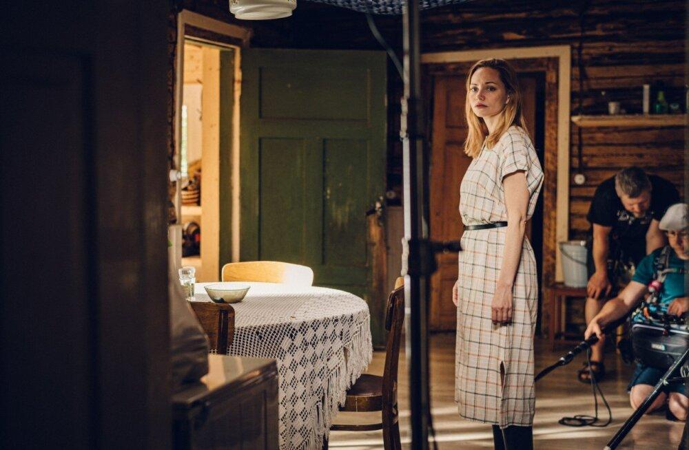 TREILER | Uus Eesti sari Mirtel Pohlaga peaosas kaevab noore naise peresaladustes