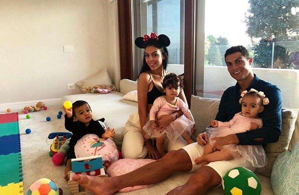 Varsti helisevad pulmakellad? Cristiano Ronaldo kihlus oma kauni tüdruksõbraga