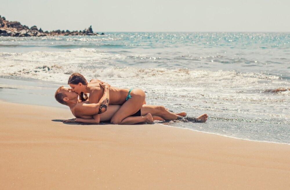 Секс на природе: риски, инструкция
