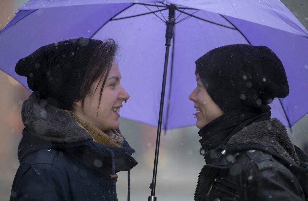 Kristiina ja Sarah Raud peavad Eestisse elama jäämiseks leidma mõne muu viisi.