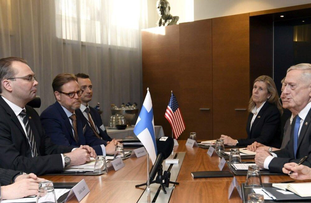 Kaitseminister Niinistö kutsus USA Soome peamisele sõjaväeõppusele