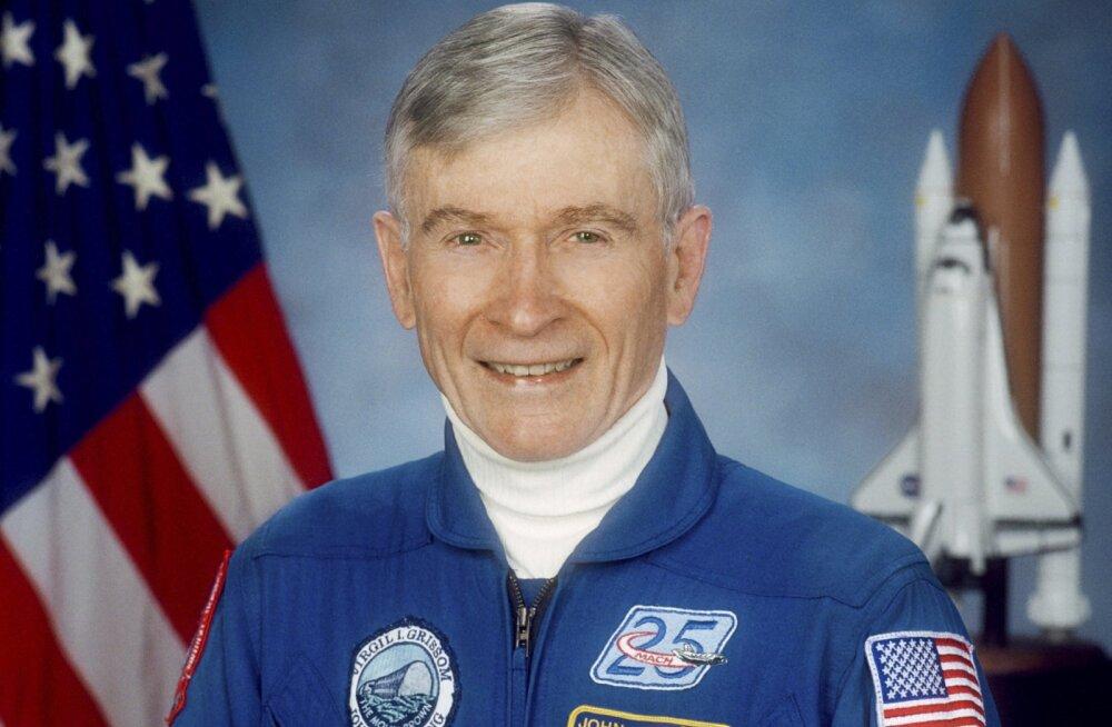 Умер побывавший на Луне астронавт NASA Джон Янг