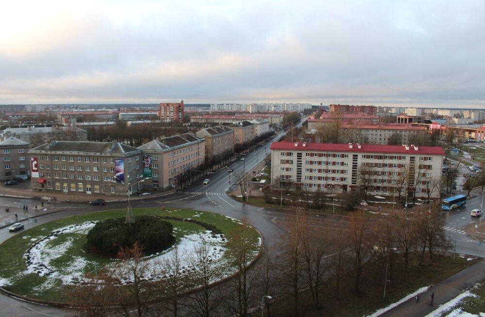 Парковку вдоль Таллиннского шоссе в Нарве с сегодняшнего дня запретили