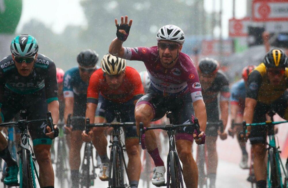 Elia Viviani võitis Girol juba neljanda etapi.