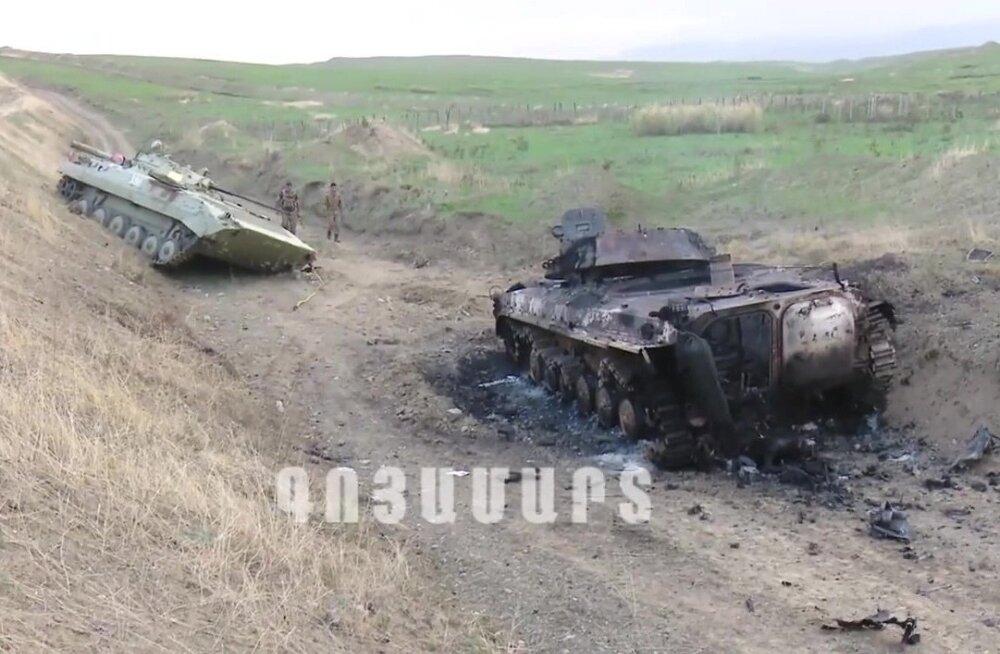 Армения и Азербайджан сообщили о гибели сотен военнослужащих в Карабахе. Бои возобновились