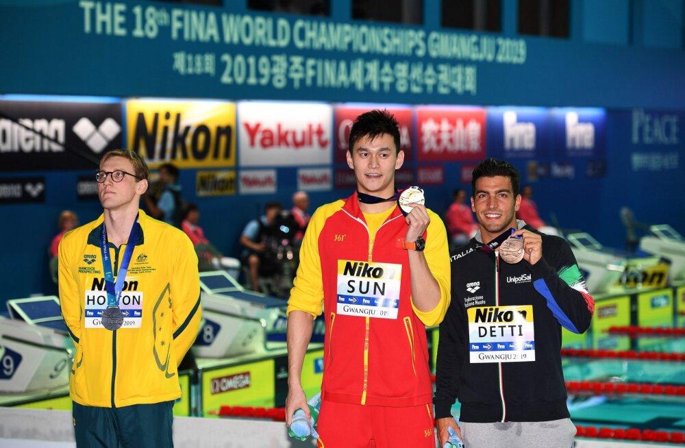 Skandaalse hiinlasega poodiumit jagamast keelduvad ujujad riskivad medalita jäämisega