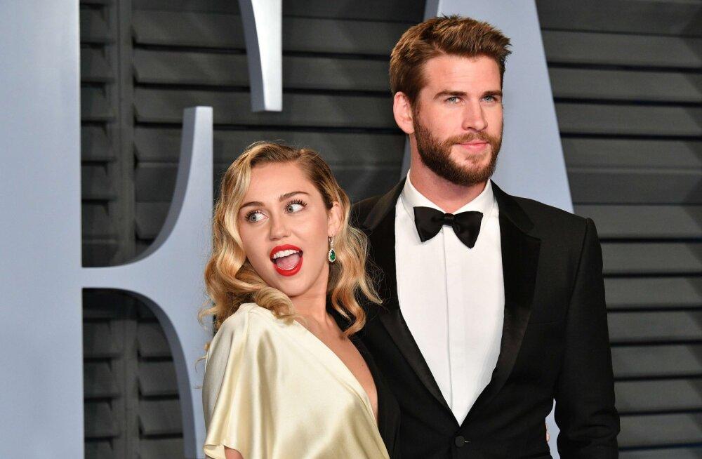 Mis juhtus? Miley Cyruse näitlejast abikaasa viidi haiglasse