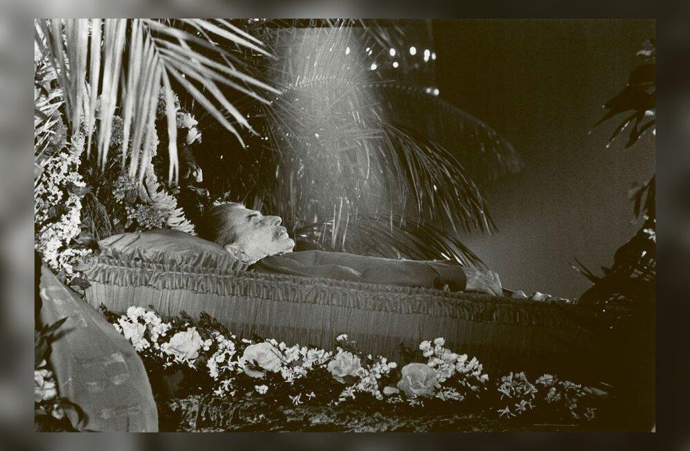 MAALEHE ARHIIVIST | Jossif Stalini surma ajal Moskvas olnud eestlased sattusid leinarüsinas ohtlikku olukorda, kui tahtsid oma silmaga sarka näha
