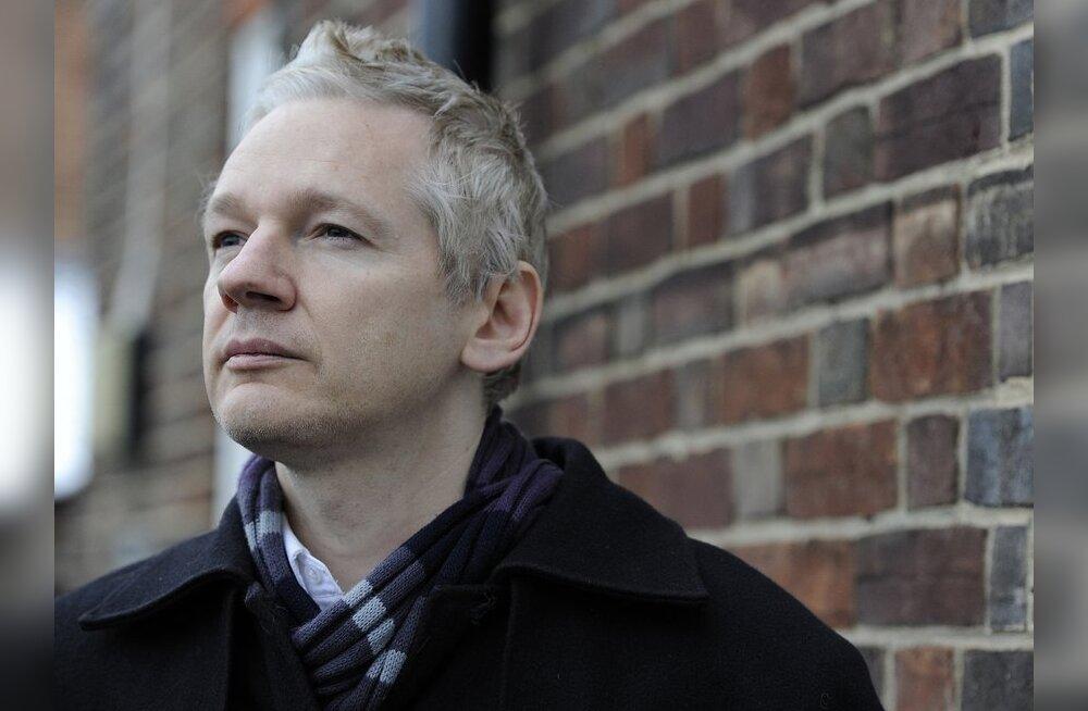 WikiLeaks müüb internetioksjonil õigust einestada koos Julian Assange'iga