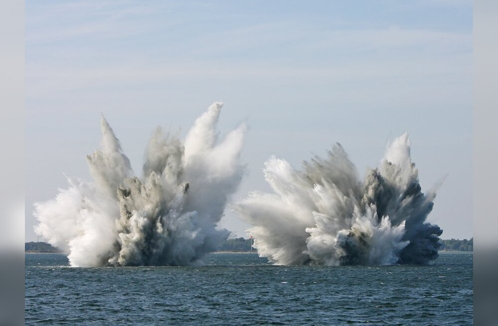 Эсминец США случайно потопил лодку с беженцами
