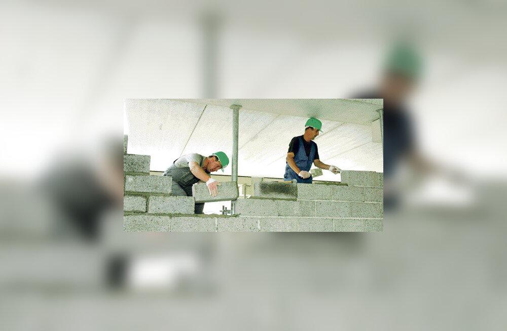 Võõrtöölistest on kõige nõutumad Ukraina ehitajad
