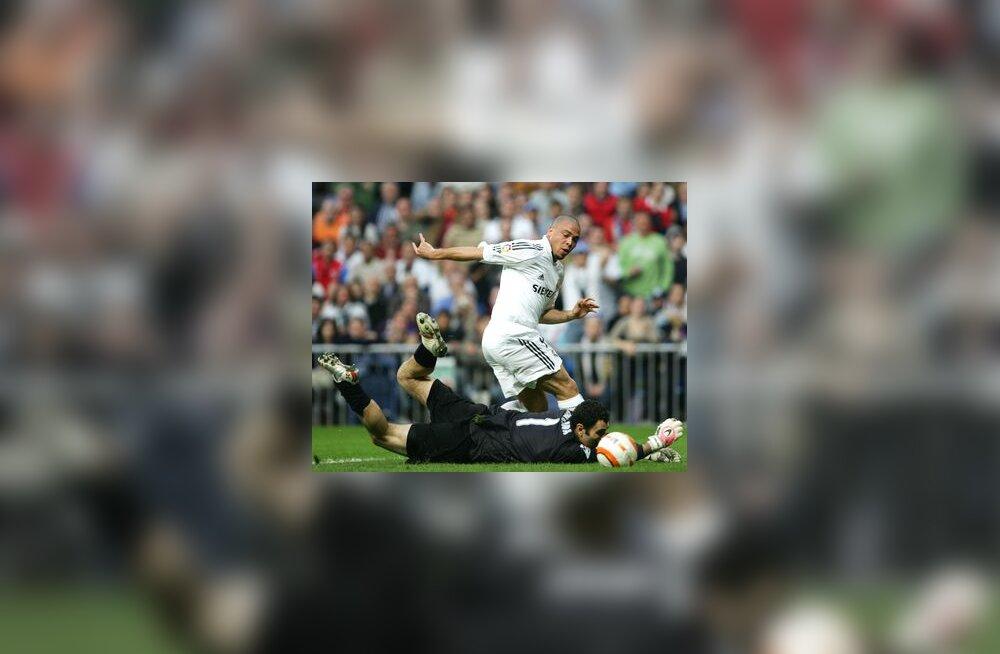 Reali ründaja Ronaldo ja Deportivo väravavaht Dani