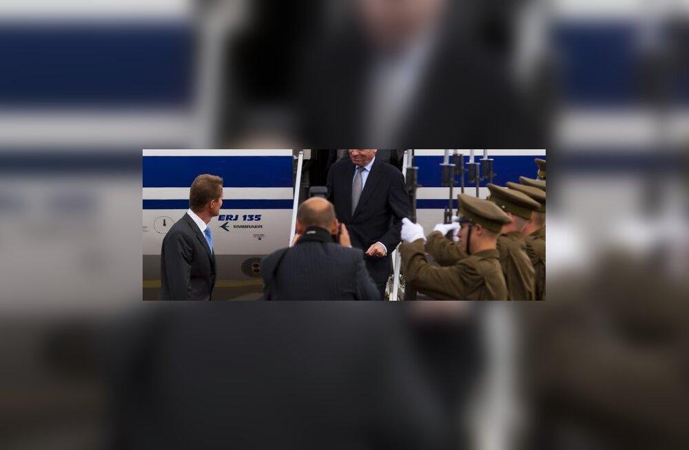 ФОТО: Генсек НАТО приехал попрощаться с Эстонией