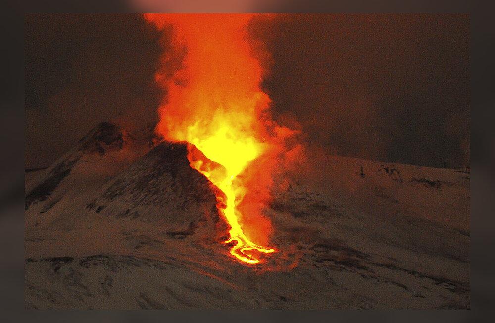 Tulejumala töökoda müristab: vaata Etna vulkaani äsjaseid purskeid